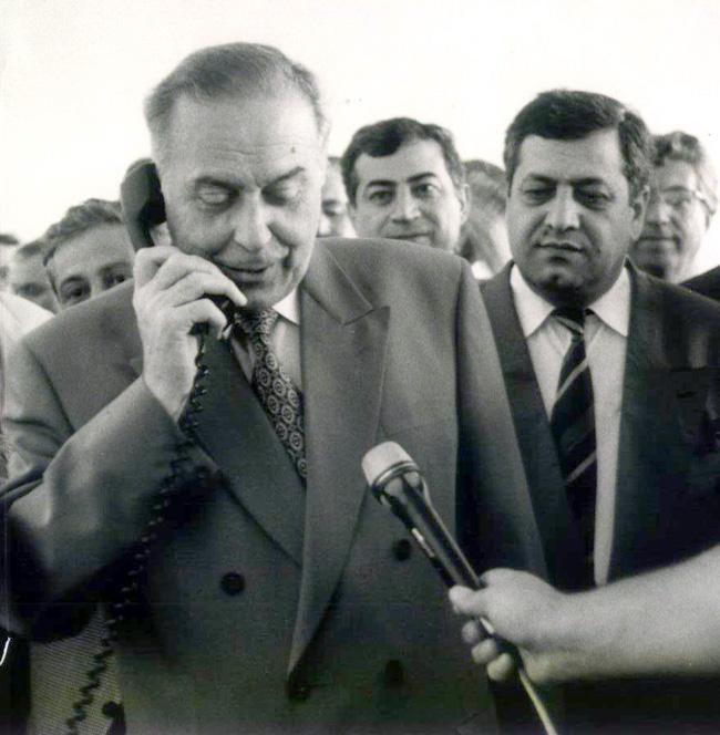 Heydər Əliyev. Teleqüllə 1993-1996